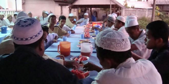 มัสยิดฮิดายาตุดดีนียะฮ์ เชิญร่วมกิจกรรมละศีลอดร่วมกันทุกวัน ตลอดเดือนรอมฎอน